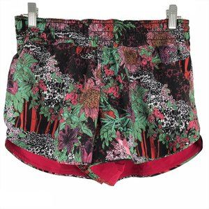 Lululemon Choose A Side Short Ruby Red Zen Garden